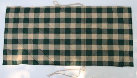 P011A párnahuzat, zöld-ecru kockás steppelt
